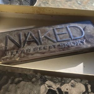 Urban Decay Naked Smoky pallet